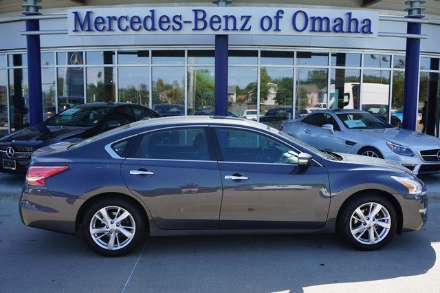 Pre owned 2013 nissan altima 4dr sdn i4 2 5 sl 4dr car in for Mercedes benz of omaha used cars