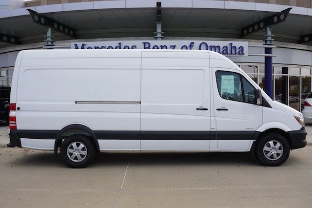 Pre owned 2015 mercedes benz sprinter 2500 cargo van cargo for Mercedes benz 2500 cargo van